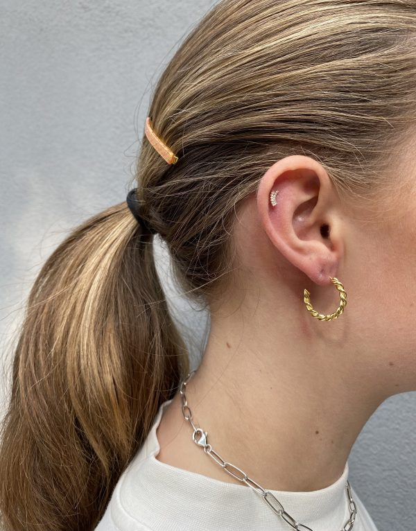 Sui Ava braided hoops